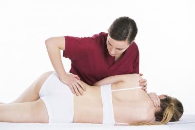 Beneficios de la fisioterapia en el tratamiento de la escoliosis