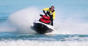 deportes en verano moto de agua